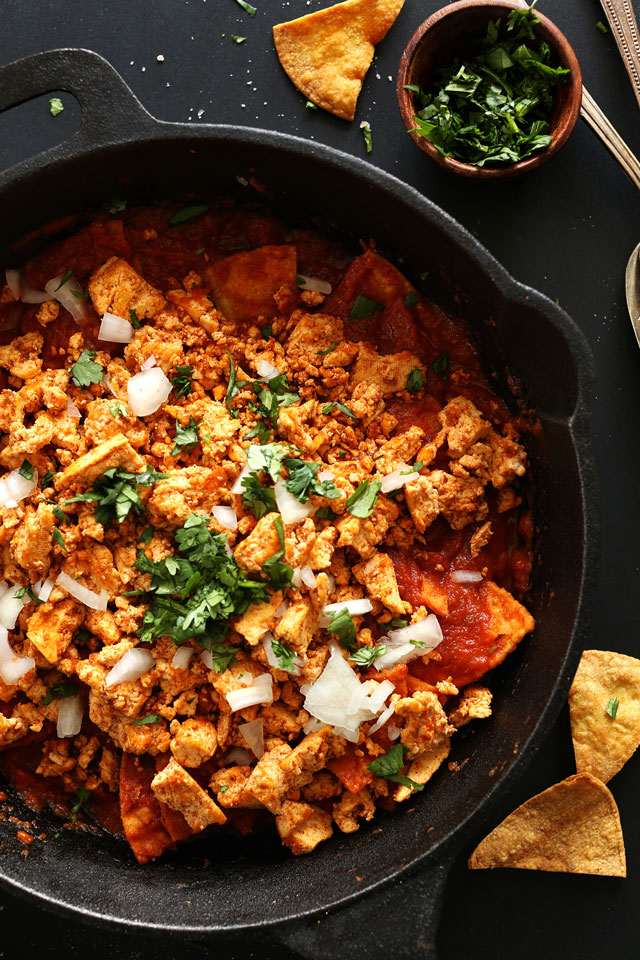 Tofu-Chilaquiles-with-DIY-Baked-Tortilla-Chips-30-minutes-SO-flavorful-and-seriously-healthy-vegan-glutenfree3
